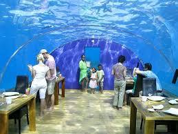 Podvodnii restoran